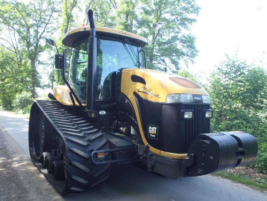 naudotas CAT traktorius
