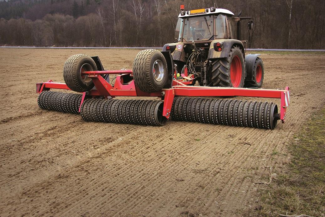 Nauja ir naudota žemės ūkio technika traktoriai