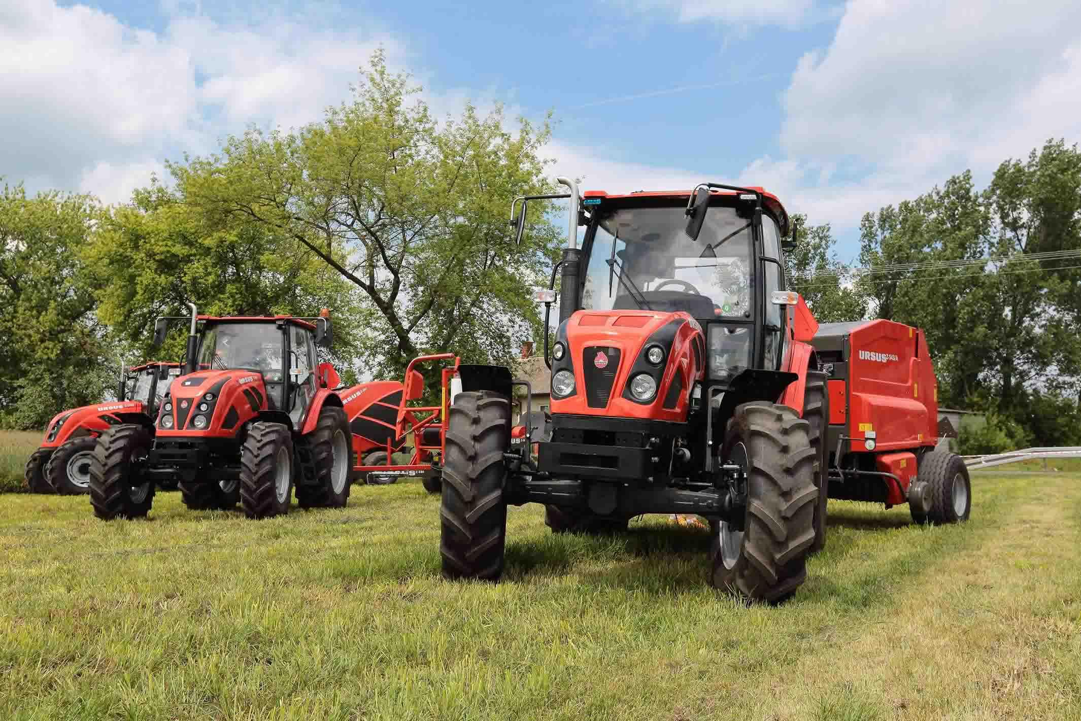 Nauji Ursus traktoriai