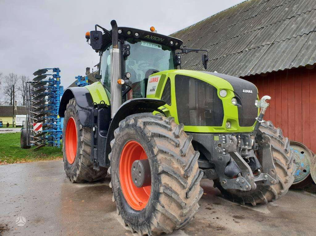 Naudoti traktoriai Claas Axion 920